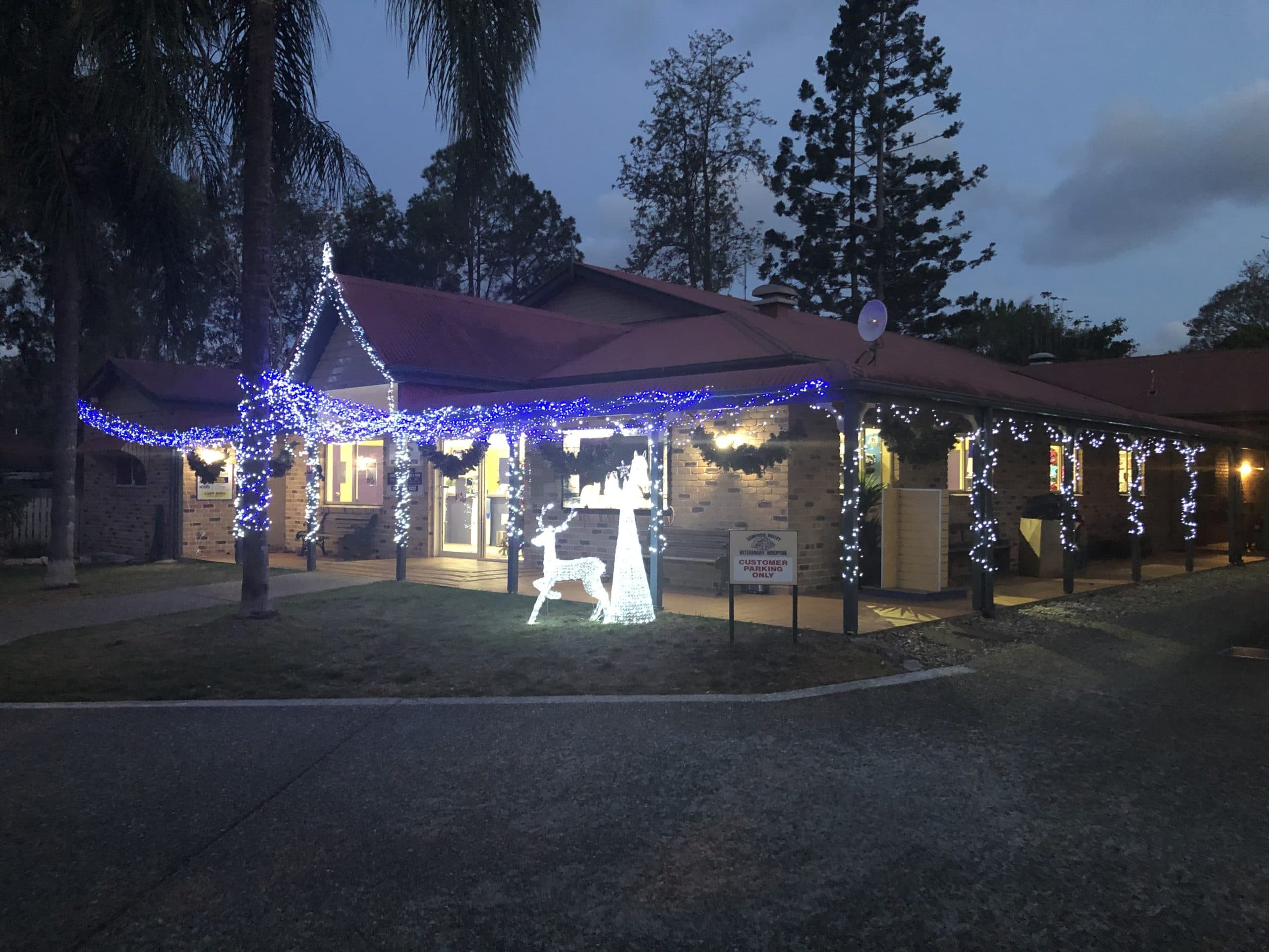2019 XMAS BUSINESS LIGHTS COMPETITION WAS A GREAT SUCCESS…SO WHO WILL TAKE IT OUT IN 2020?